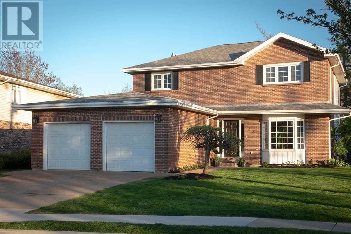 House for sale at 48 Chartwell Ln Halifax Nova Scotia - MLS: 202008628