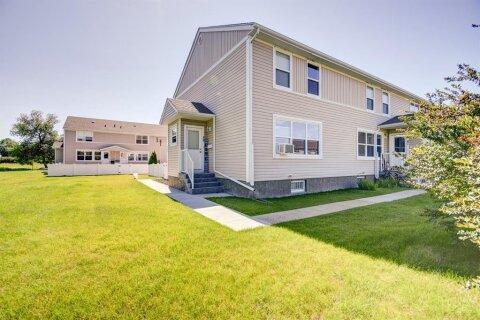 Townhouse for sale at 48 Poplar Cres Springbrook Alberta - MLS: A1020635
