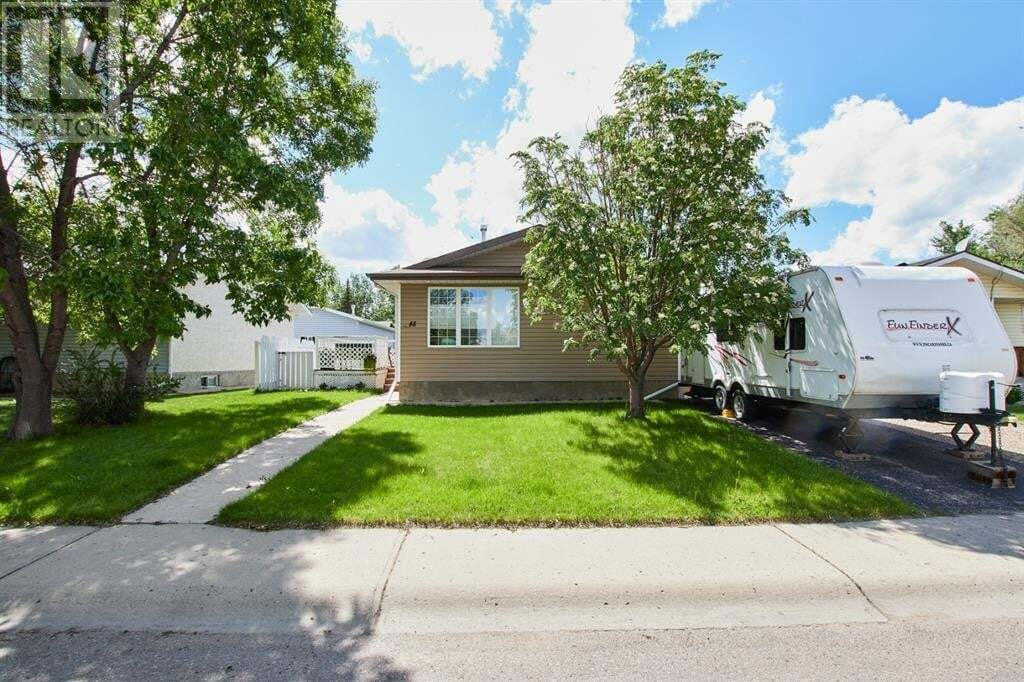 House for sale at 48 Strong Ave Southeast Medicine Hat Alberta - MLS: A1002871