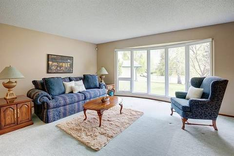 48 Woodbrook Place Southwest, Calgary | Image 2