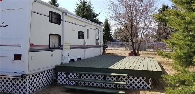 Home for sale at 480 Carefree Resort  Rural Red Deer County Alberta - MLS: C4295328