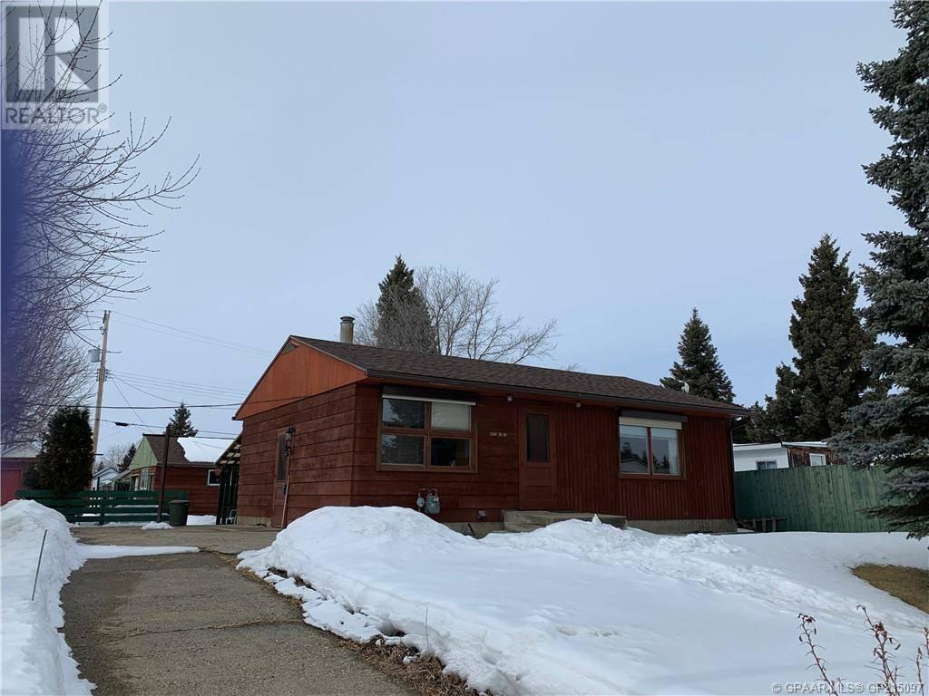 House for sale at 4802 49 Street Crescent Berwyn Alberta - MLS: GP215097