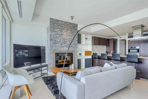 Home for rent at 180 University Ave Unit 4803 Toronto Ontario - MLS: C4923702