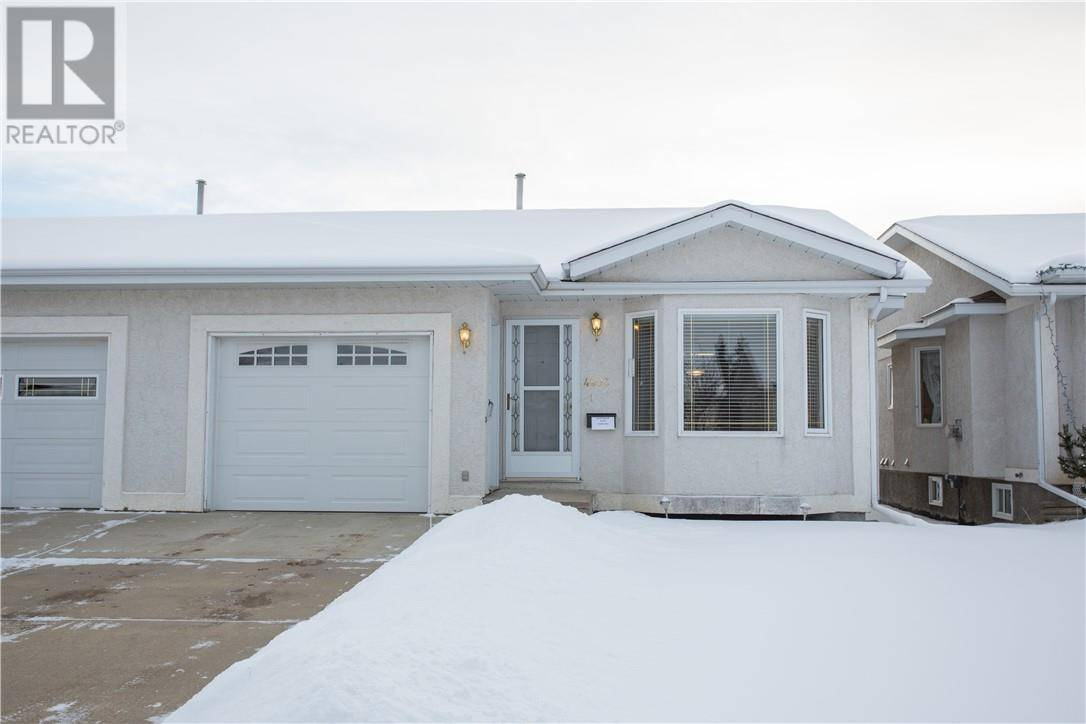 Townhouse for sale at 4803 55 Ave Lacombe Alberta - MLS: ca0184933