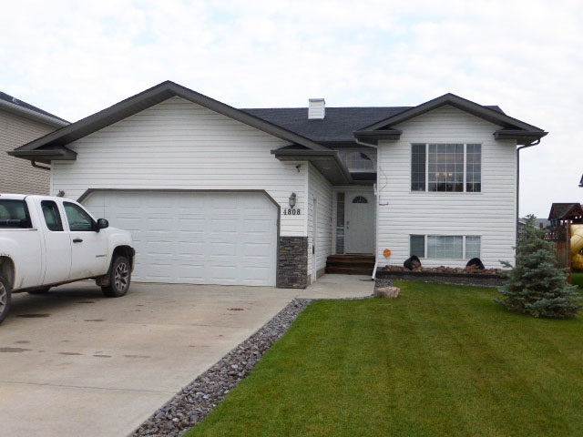 Sold: 4808 52 Avenue, Thorsby, AB
