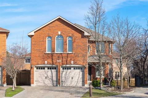 House for sale at 4812 Rosebriar Ct Mississauga Ontario - MLS: W4421768