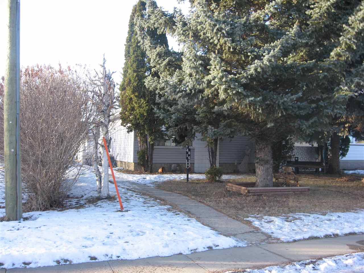 For Sale: 4816 54 Street, Redwater, AB   4 Bed, 2 Bath House for $204,900. See 3 photos!