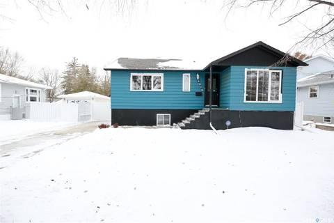 House for sale at 4816 8th Ave Regina Saskatchewan - MLS: SK790548