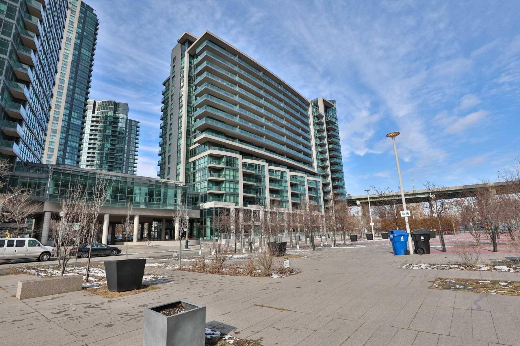 Neptune I Condos: 209 Fort York Boulevard, Toronto, ON
