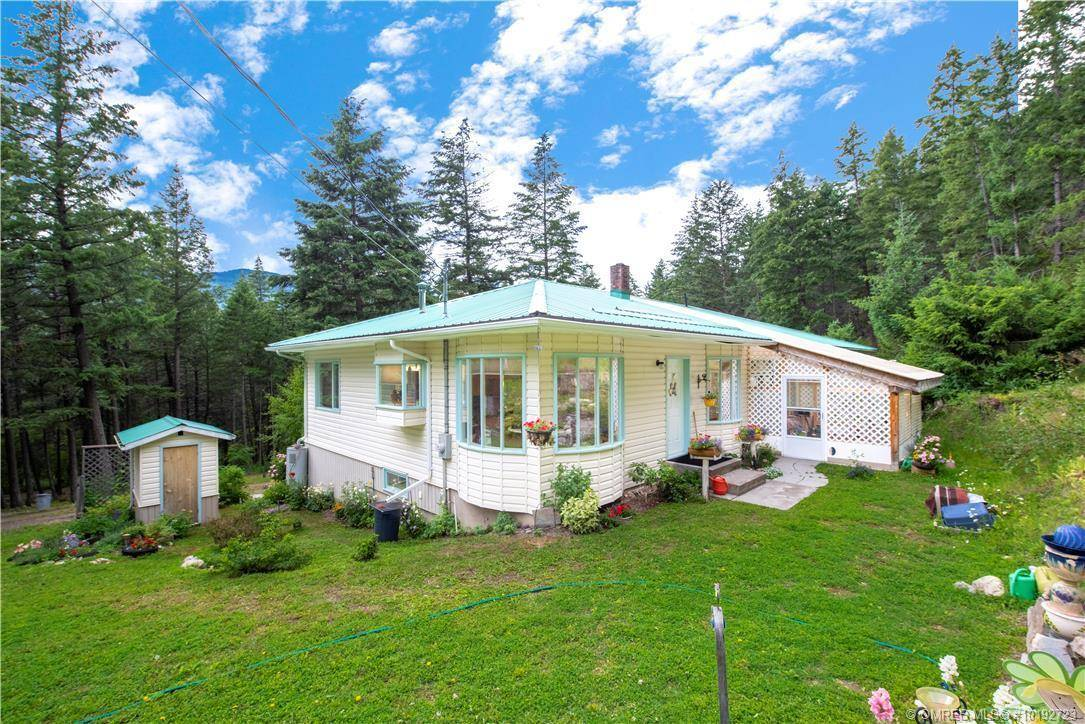 House for sale at 4822 97 Hy Falkland British Columbia - MLS: 10192723