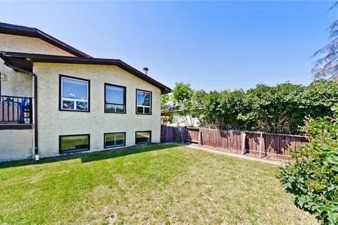Townhouse for sale at 4827 Bowness Rd Northwest Calgary Alberta - MLS: C4262039
