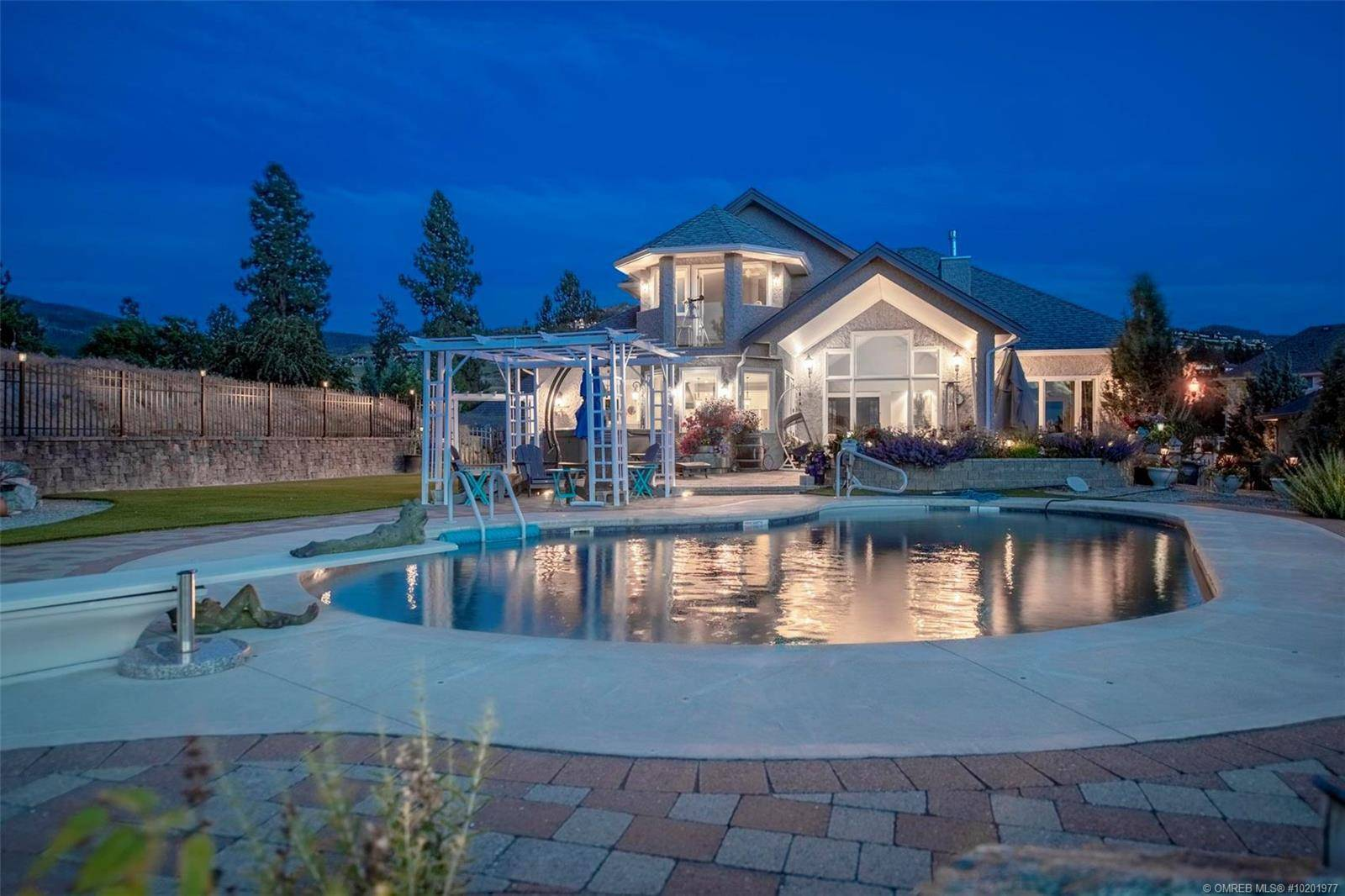 House for sale at 4834 Carmel Cres Kelowna British Columbia - MLS: 10201977