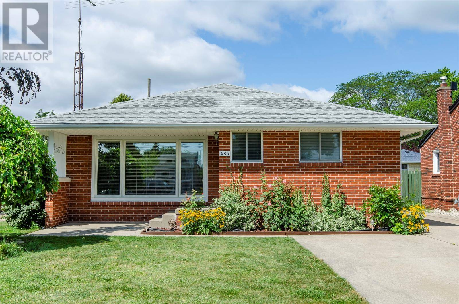 House for sale at 485 Riverdale  Windsor Ontario - MLS: 19023403