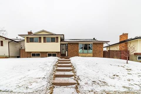 House for sale at 4855 Rundlewood Dr Northeast Calgary Alberta - MLS: C4292565