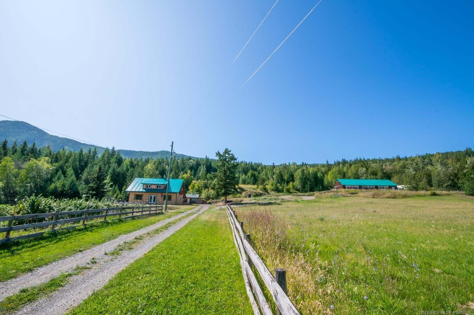 House for sale at 4860 Hoath Rd Falkland British Columbia - MLS: 10200286