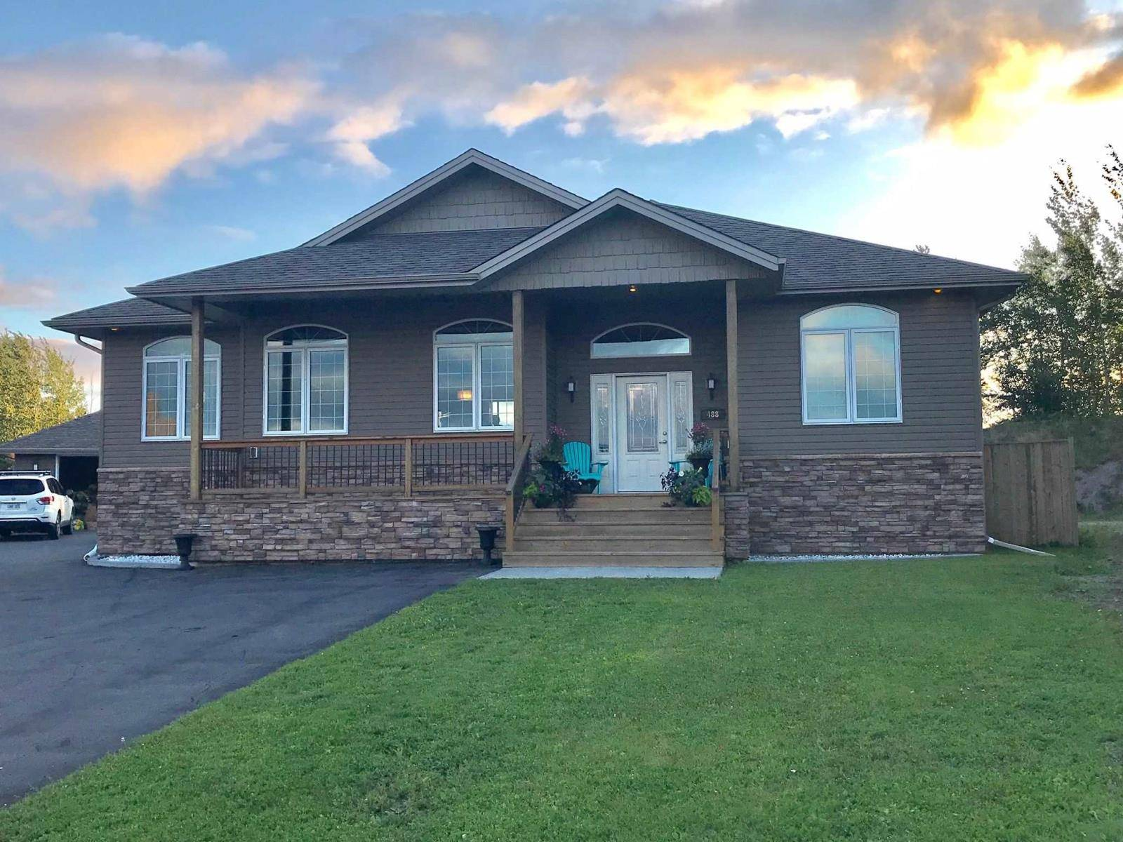 House for sale at 488 Longbow Cres Thunder Bay Ontario - MLS: TB192524