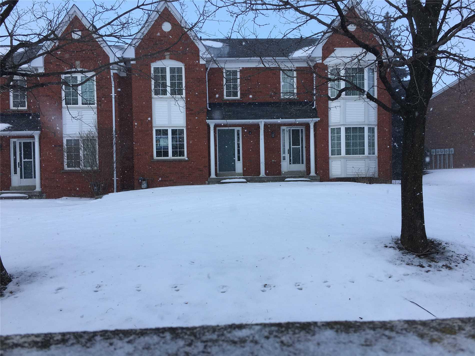 Buliding: 10 Bassett Boulevard, Whitby, ON