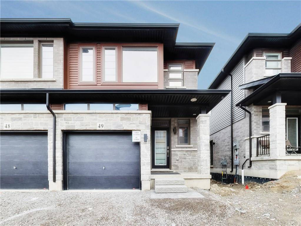 Townhouse for sale at 30 Times Square Blvd Unit 49 Stoney Creek Ontario - MLS: H4075606