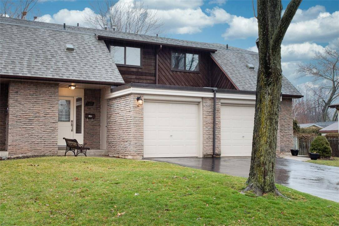 Townhouse for sale at 545 Wedgewood Dr Unit 49 Burlington Ontario - MLS: H4075405