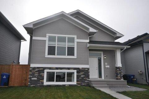 House for sale at 49 Aztec Cres Blackfalds Alberta - MLS: A1042755