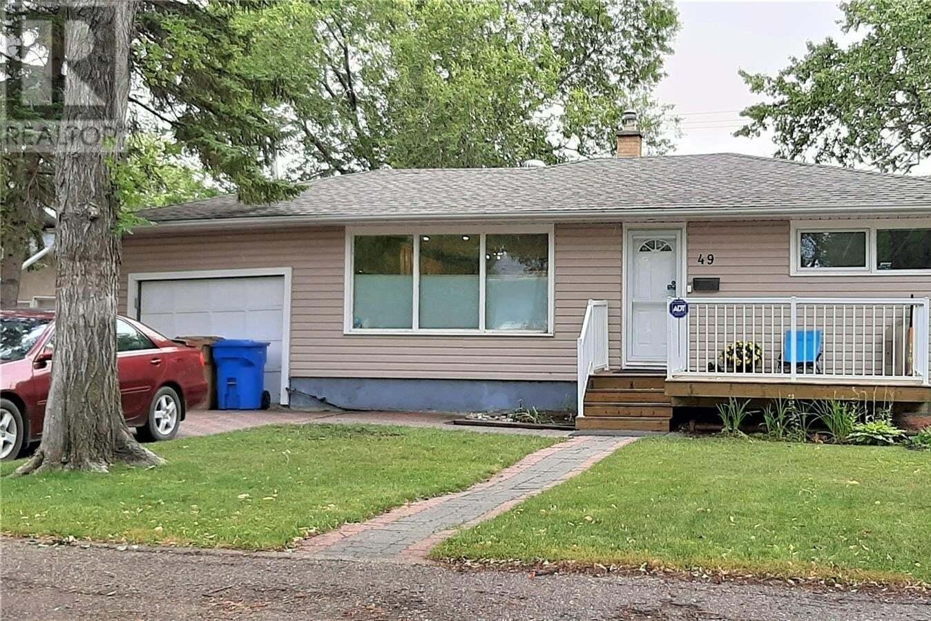 House for sale at 49 Bobolink By Regina Saskatchewan - MLS: SK825704