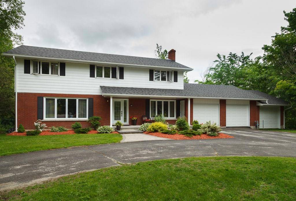 House for sale at 49 Golf Club Rd Smiths Falls Ontario - MLS: 1156510