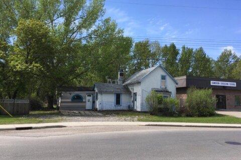 House for sale at 49 S Railway St Okotoks Alberta - MLS: A1045457