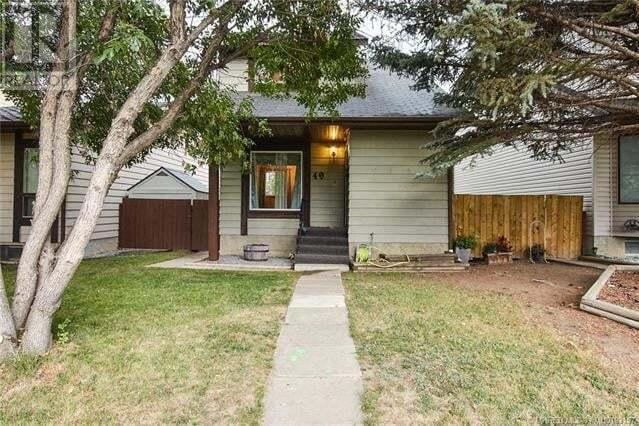 House for sale at 49 Southridge Cres Southwest Medicine Hat Alberta - MLS: MH0193157