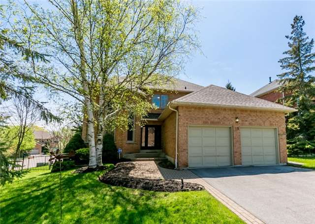 For Sale: 49 Timberline Trail, Aurora, ON | 4 Bed, 3 Bath House for $1,225,000. See 20 photos!