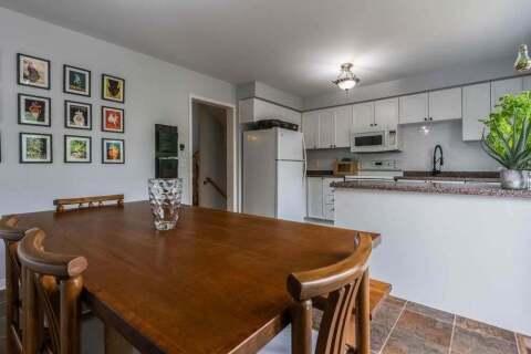 Townhouse for sale at 490 River Glen Blvd Oakville Ontario - MLS: W4919278