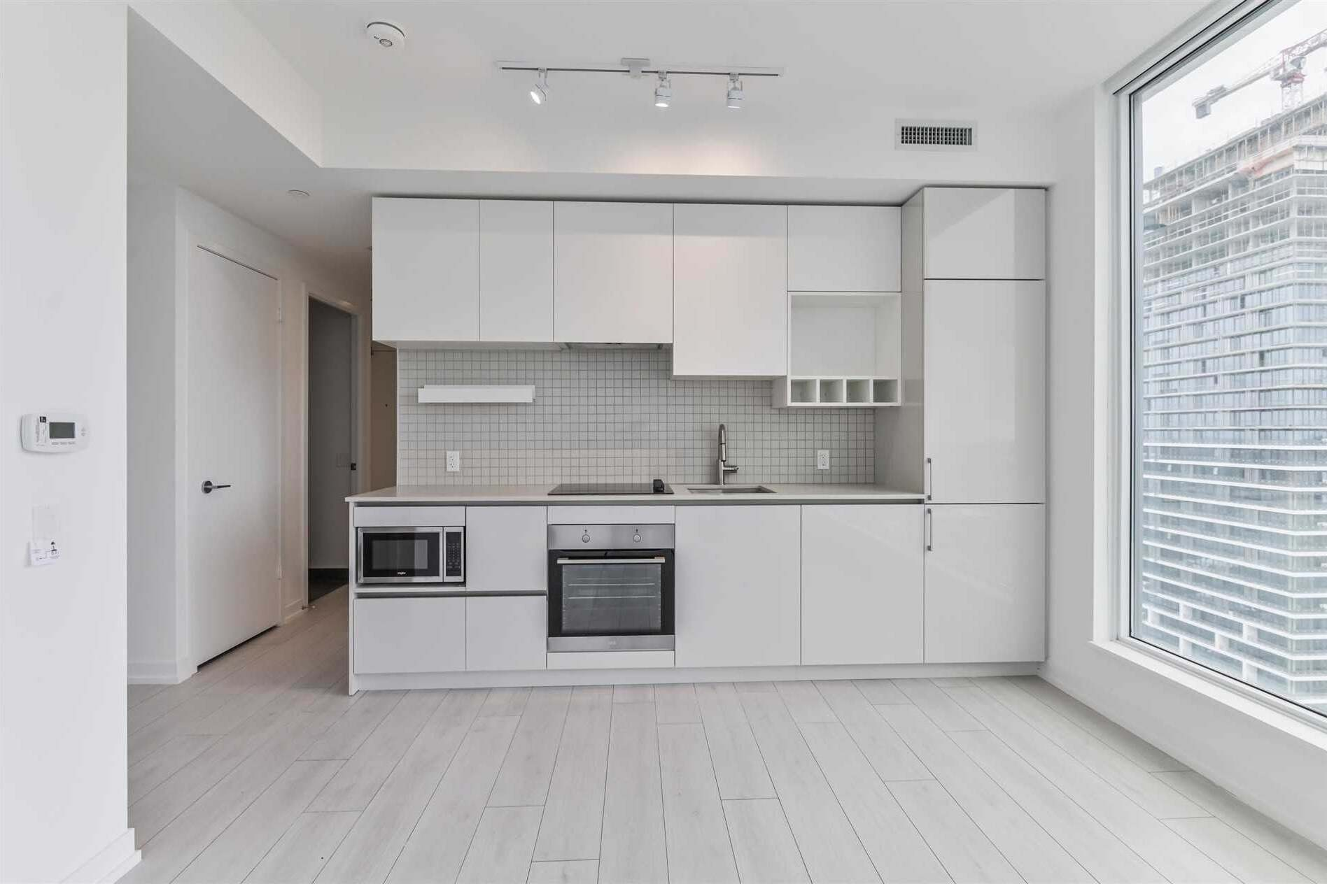 4903 - 5 Buttermill Avenue, Vaughan | Image 2