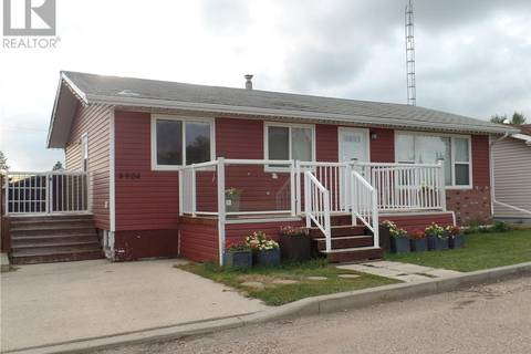 House for sale at 4904 46th St Macklin Saskatchewan - MLS: SK783641