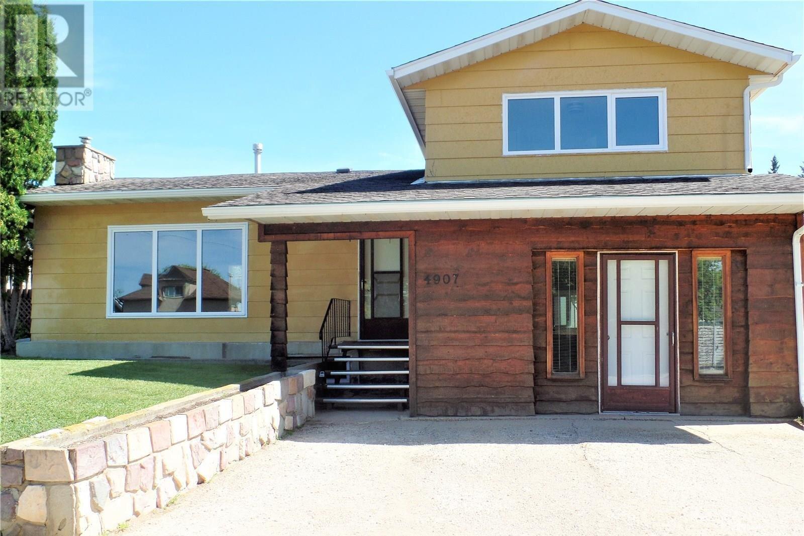House for sale at 4907 Tribune St Macklin Saskatchewan - MLS: SK821382