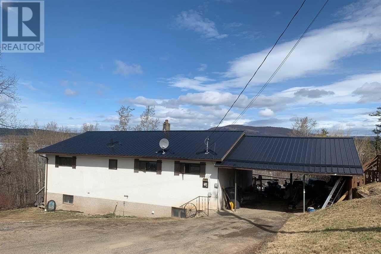 House for sale at 491 Simon Fraser Ave Fraser Lake British Columbia - MLS: R2436075
