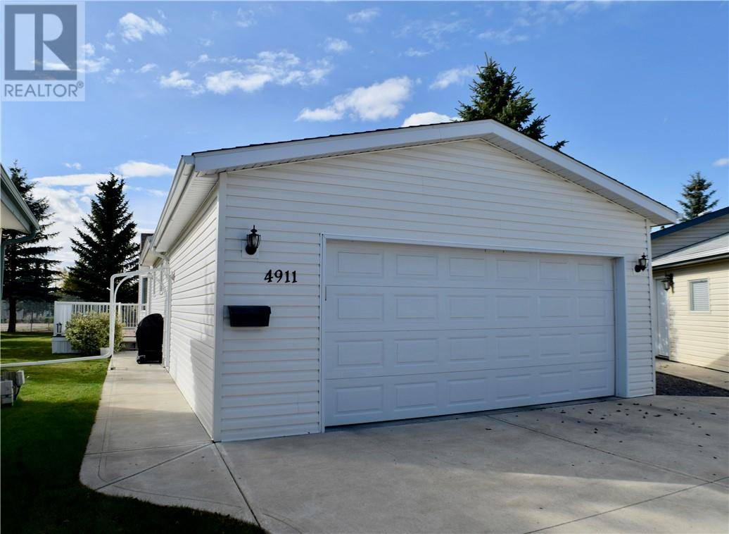 4911 Dorchester Avenue, Red Deer | Image 2