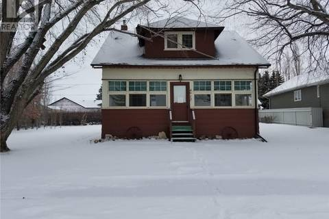 House for sale at 4913 Empire St Macklin Saskatchewan - MLS: SK799078