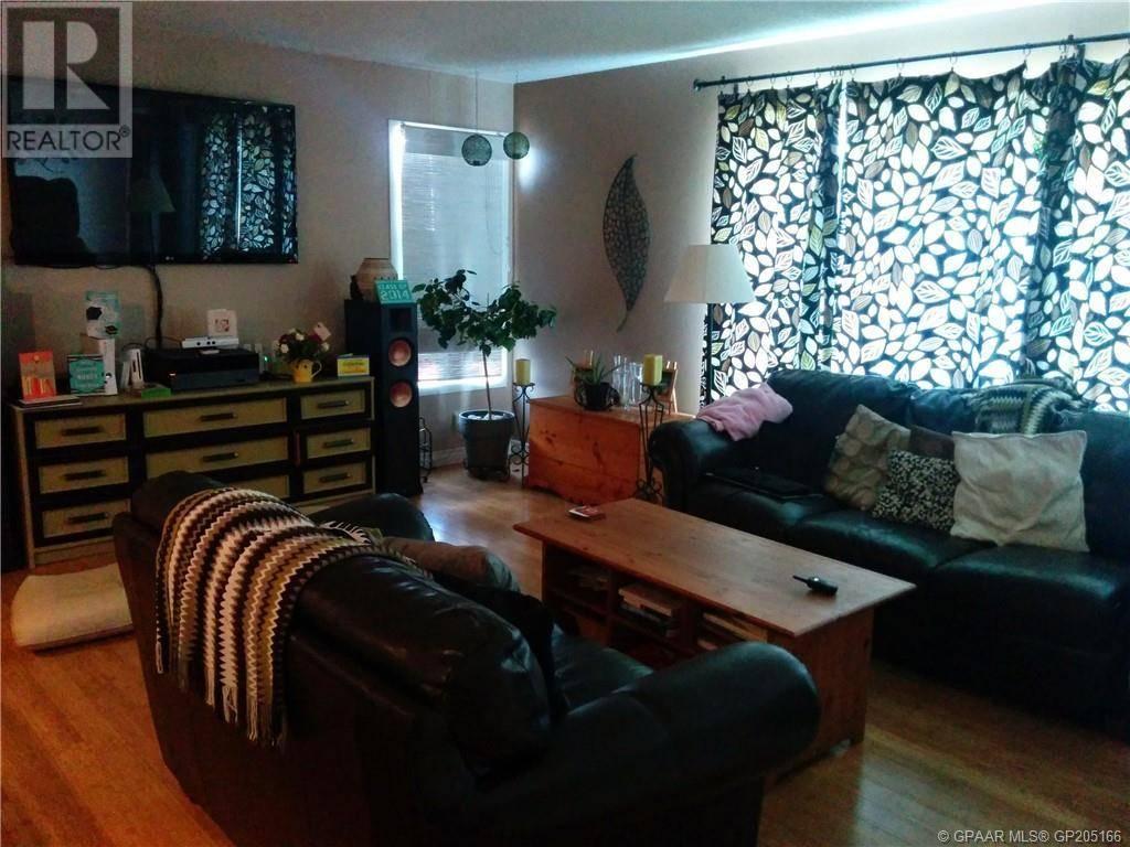 4915 49 Avenue, Grimshaw | Image 2