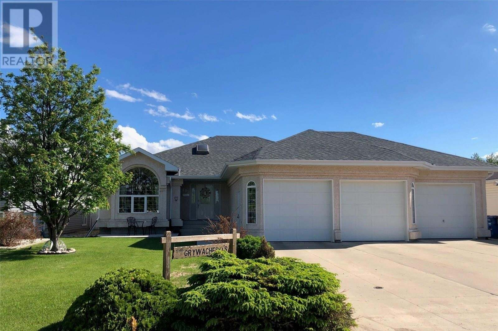 House for sale at 492 13th Ave Humboldt Saskatchewan - MLS: SK813455