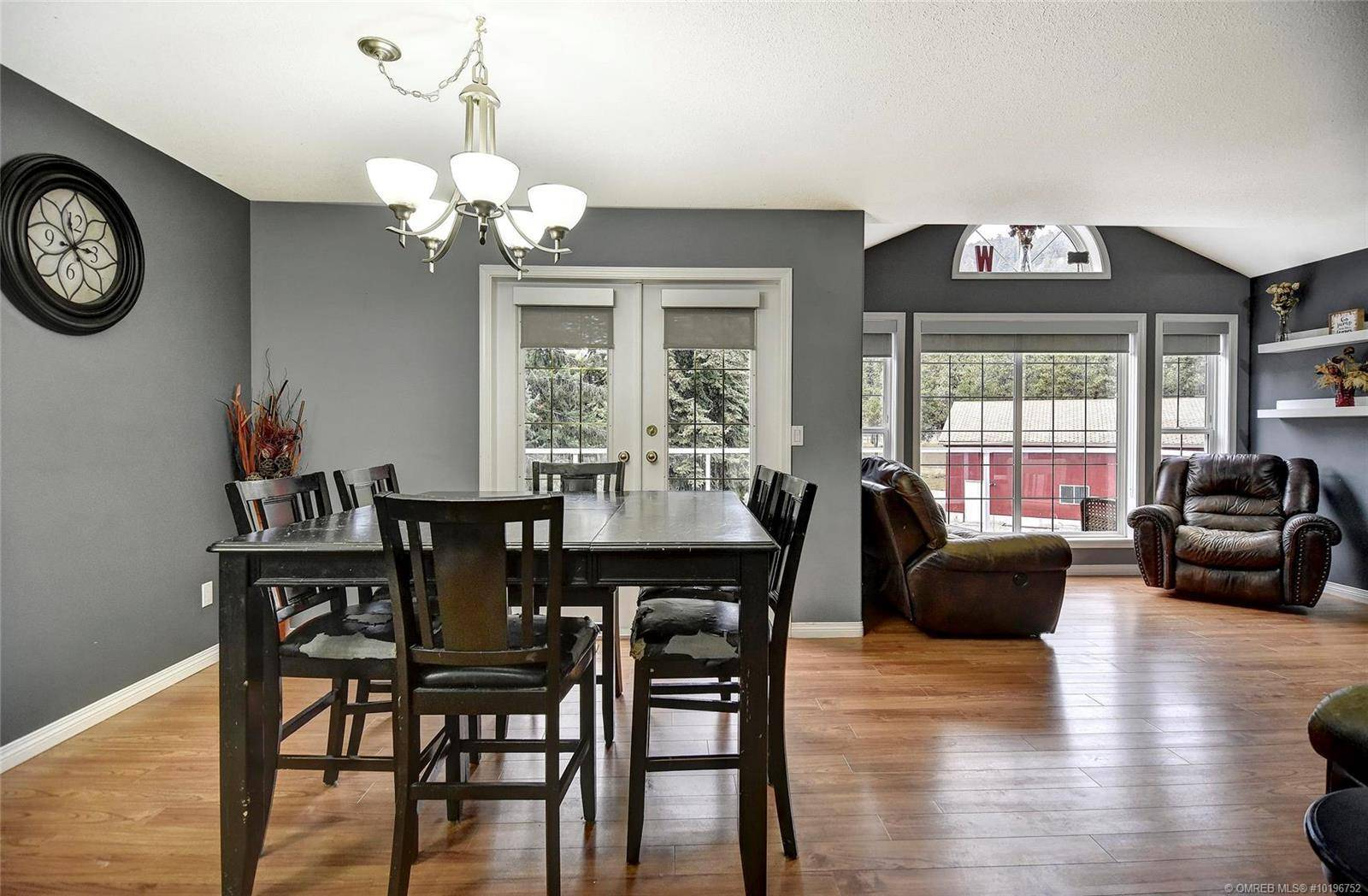 4925 Star Place, Peachland | Image 2