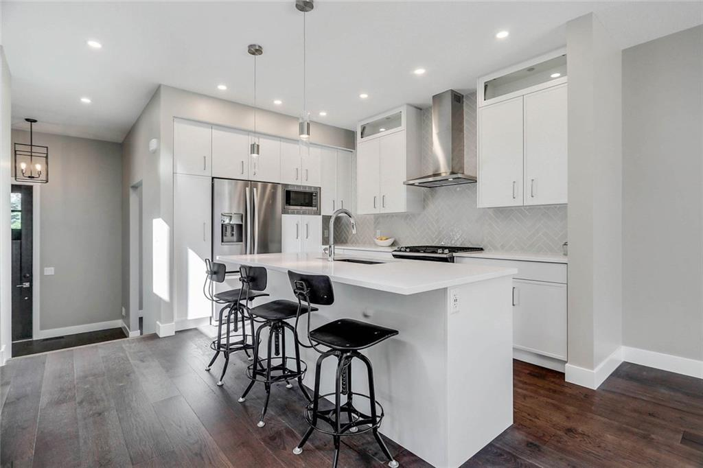 Sold: 4928 20 Avenue Northwest, Calgary, AB
