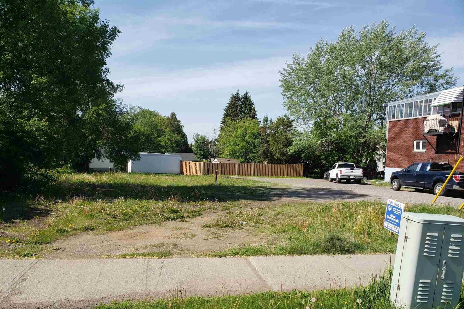 Home for sale at 493 John St Thunder Bay Ontario - MLS: TB200528