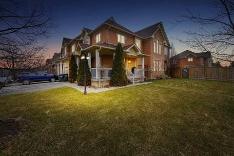 Townhouse for sale at 4945 Sebastian Dr Mississauga Ontario - MLS: W4729411