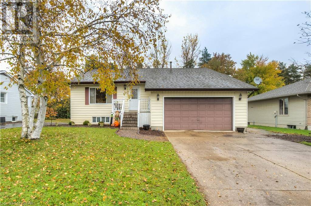 House for sale at 495 Sarnia St Wyoming Ontario - MLS: 230780