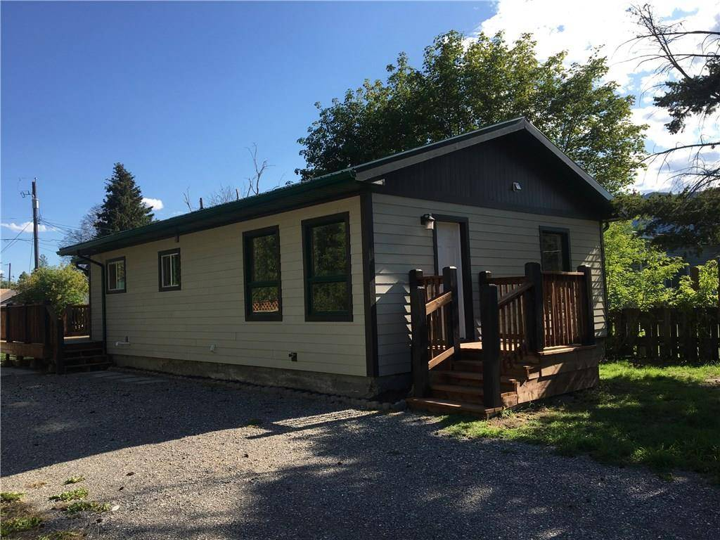 House for sale at 4954 Stevens Avenue  Canal Flats British Columbia - MLS: 2434578