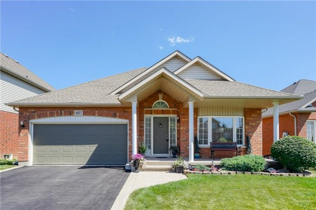 For Sale: 4957 Kennedy Street, Lincoln, ON | 2 Bed, 3 Bath House for $619,900. See 20 photos!