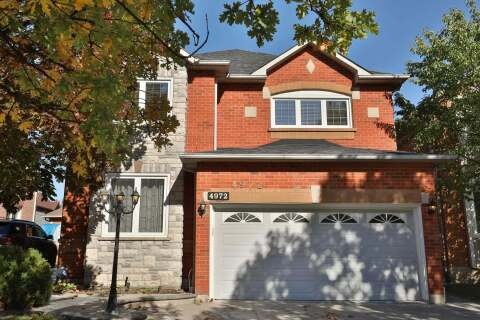 House for sale at 4972 Natkarni Cres Mississauga Ontario - MLS: W4953738