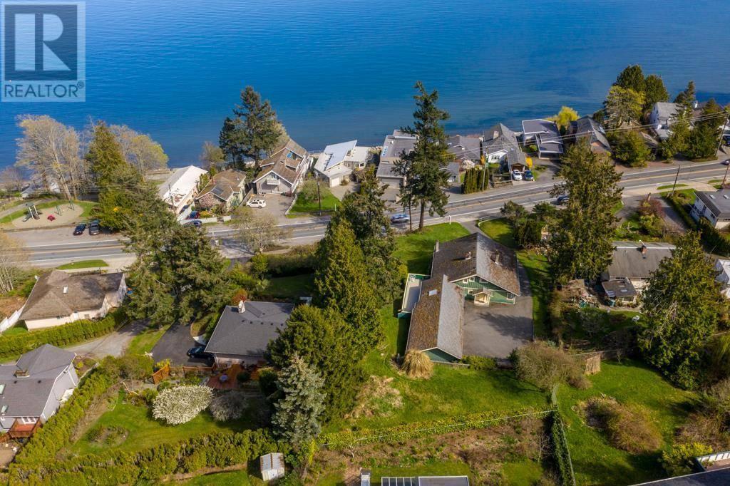 House for sale at 4976 Cordova Bay Rd Victoria British Columbia - MLS: 415649