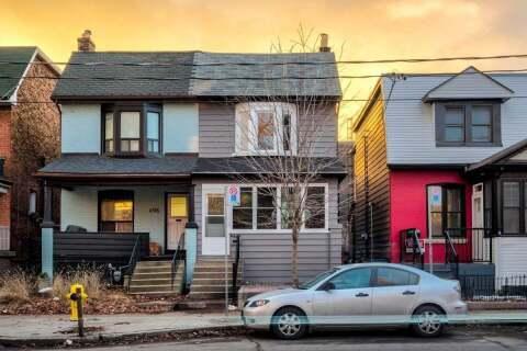 Townhouse for sale at 498 Lansdowne Ave Toronto Ontario - MLS: C4806812