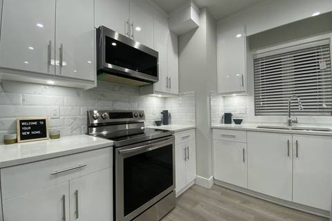 Townhouse for sale at 4985 Moss St Vancouver British Columbia - MLS: R2443836