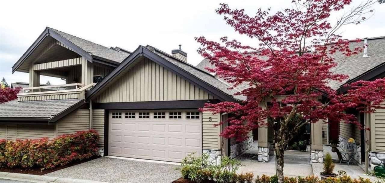 Buliding: 1550 Larkhall Crescent, North Vancouver, BC